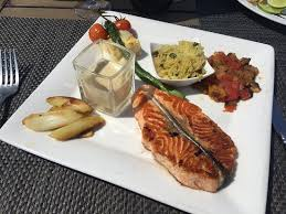 cuisine esprit cagne at the review of plage juanita restaurant juan les pins