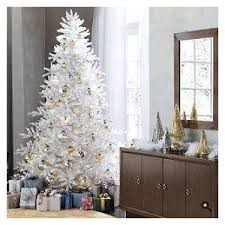 white and gold tree decorations