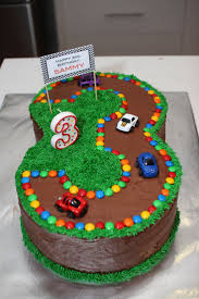 Home Made Cake Decorations Best 20 Race Track Cake Ideas On Pinterest Car Birthday Cakes