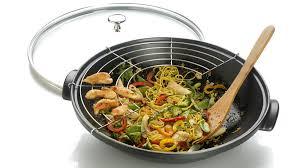 ustensile de cuisine asiatique cuisine chinoise les accessoires indispensables