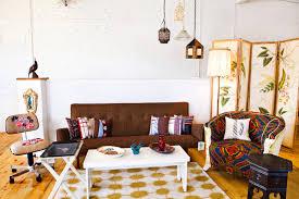 vintage livingroom decorating with vintage renewal