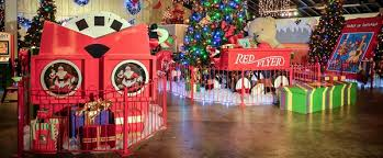 dollywood christmas lights 2017 dollywood smoky mountain christmas 2018 schedule shows etc