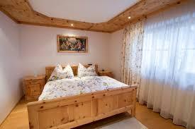 Schlafzimmer Zirbe Moderne Schlafzimmer Aus Zirbenholz übersicht Traum Schlafzimmer