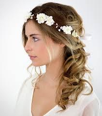 coiffure mariage cheveux coiffure mariage 20 idées coiffure pour des cheveux mi longs
