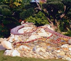 stone and brick garden wall by fresno area masonry contractor