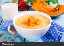 cuisine traditionnelle russe plat de la cuisine traditionnelle russe bouillie avec citrouille