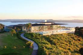 rahimoana villa that offers 360 views of the landscape