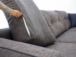 divani in piuma d oca divano con schienale trapuntato harvey homeplaneur