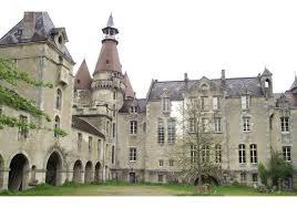 chateau de chambres autun dans le château de valogne les touristes ont remplacé les