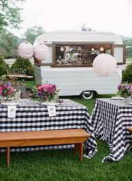 Make A Picnic Table Cover by Best 20 Picnic Table Centerpieces Ideas On Pinterest Picnic