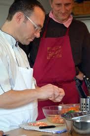 cours de cuisine en famille cours de cuisine avec mike allen au restaurant à st germain sur ay