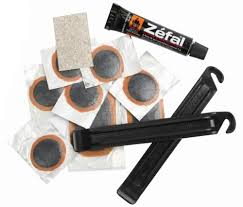 réparer une chambre à air de vélo kit de réparation zéfal avec démonte pneus