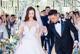 wedding dress di bali f4 s jerry yen makes appearance at bandmate ken chu s