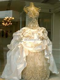 beyonce u0027s wedding dress mystery solved j says online