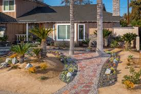 desert landscape ideas with softscape brick work flagstone walkway