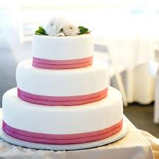 budget wedding cakes inexpensive wedding cakes gild the cake save budget wedding cakes