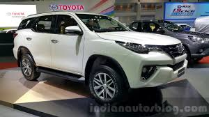 fortuner bookings for 2016 toyota fortuner open at inr 2 lakhs