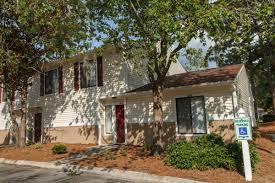 1 bedroom apartments wilmington nc pinewood apartments phillips management group