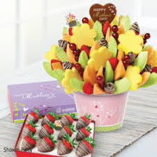 edible deliveries edible arrangements 77 photos 23 reviews gift shops 15626
