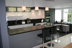 cuisine avec table cuisine moderne idees nz