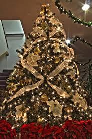 santa themed tree winter decor