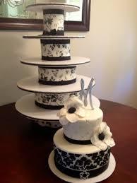 diy cupcake tower black u0026 white wedding cake cakecentral com
