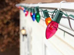 christmas splendi how to hang christmas lights hanging the easy