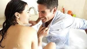 4 rahasia cara ampuh memuaskan hasrat suami saat istri sedang haid