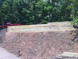 retaining wall design and installation hardscapes landscaping