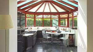 veranda cuisine photo comment installer sa cuisine dans la véranda nos conseils