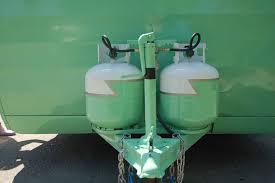 1956 shasta trailer lightening bolt paint scheme on propane