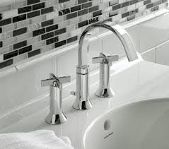 Modern Faucets For Bathroom Sinks by Bathroom American Standard Portsmouth With Perfect Casual Look