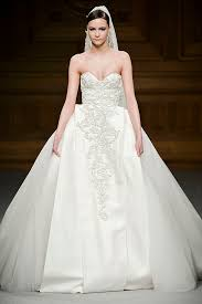 designer wedding dress best designer wedding dresses 2018 fashiongum