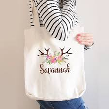 bridesmaid tote bags 16 bridesmaid bags bridal gifts the overwhelmed