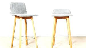 petit tabouret de cuisine table haute de cuisine et tabouret table haute de cuisine avec