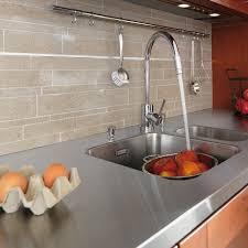 adh駸if pour plan de travail cuisine plan de travail en carrelage pour cuisine impressionnant cuisine