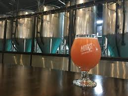 modist brewing tells us how it made this pink birthday beer gomn