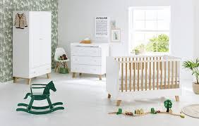 mobilier chambre bébé du mobilier pour la chambre de bébé cocon de décoration le