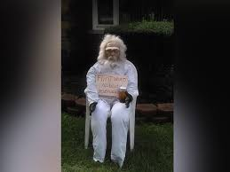 How To Make A Haunted Maze In Your Backyard Halloween Displays Make A Statement With U0027trump Wall U0027 And More