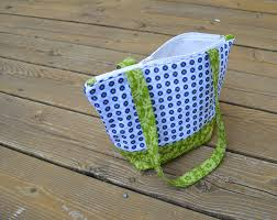 Pattern For Tote Bag With Zipper | simple zippered tote tutorial color girl quilts by sharon mcconnell
