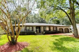 kings grant in summerville 4 bedroom s residential 225 000 mls