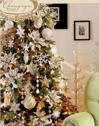 chagne tree decorating theme in chagne and