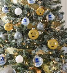wars christmas decorations droid themed wars christmas tree diycandy