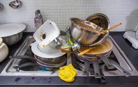 cuisine sale ustensile sale sur la cuisine photo stock image du cuillère chaos