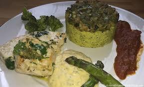 cuisiner espadon espadon sauce béarnaise et polenta brocolis