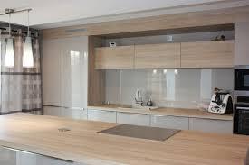 cuisine bois laqué cuisine bois et taupe clair laqué cuisines