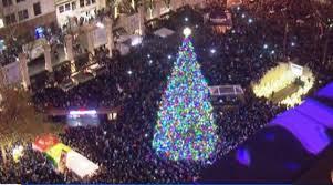 Portland Christmas Lights Holiday Tree Lights Up Pioneer Courthouse Square