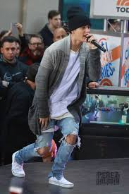 justin bieber cancels on stephen colbert and the thanksgiving day