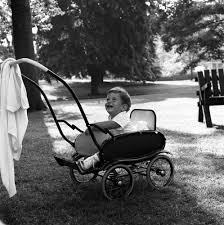 kn 21848 john f kennedy jr on the south lawn of the white