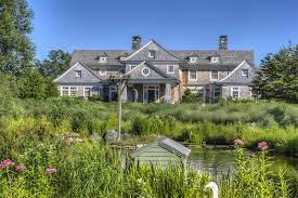 luxury homes in bellevue wa luxury real estate headlines third week in august 2017